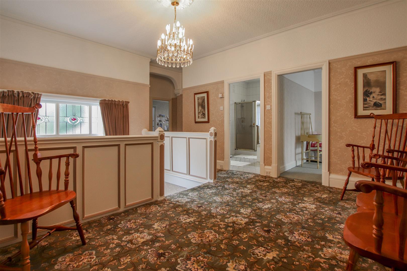5 Bedroom Detached House For Sale - 30.JPG